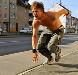 <span class='projekte_titel'>Parkour</span><span class='projekte_kategorie'>feature film</span><i>→</i>